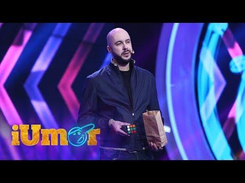 Magicianul Johannes, trucuri de magie incredibile la iUmor. Aruncă cu un topor în public letöltés