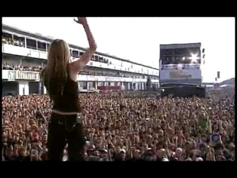 Avril Lavigne - Sk8er Boi (Live at Rock AM Ring) - 01