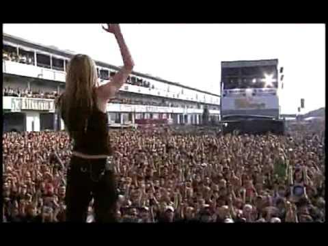 Avril Lavigne - Sk8er Boi (Live at Rock AM Ring) - 01