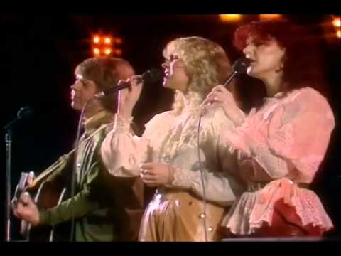 ABBA - Slipping Through My Fingers (Dick Cavett meets ABBA 1981)