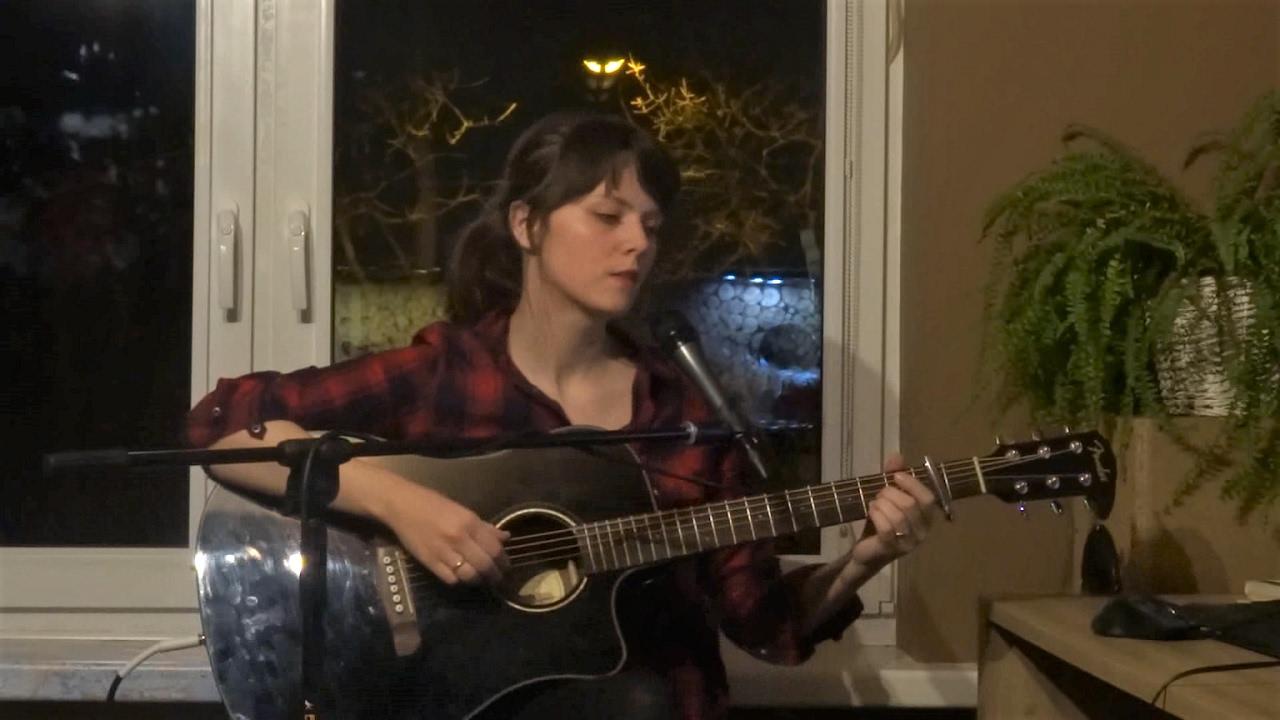 monoral-kiri-guitar-cover-live-katiepelc