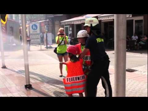 Rauchbombenalarm auf dem Rathausplatz!