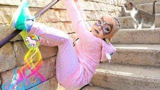 Алиса ПРИНЦЕССА пауков в парке развлечений для детей Порт Авентура ! PORT AVENTURA park for kids