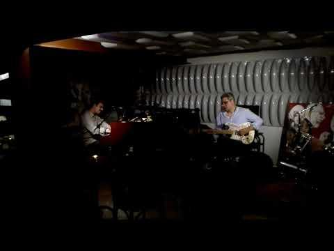 Footprints(Wayne Shorter) Carlos Veiga, Naná Sousa Dias e Rodrigo Santo. No Cascais Jazz Club.