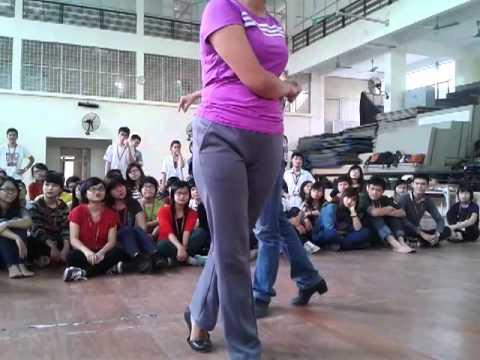 Thầy cô FTU dạy nhảy Rumba