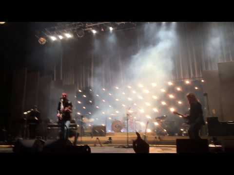 Arctic Monkeys San Francisco Concert 2018 - Crying Lightning