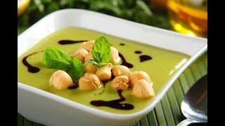 Przepis- Zupa krem z zielonego groszku z miętą (przepisy kulinarne Przepisy.pl)