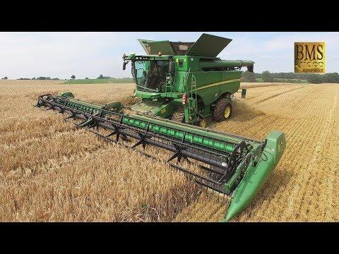 Mähdrescher John Deere S685i TT Raupe, 12,34 m , barley Getreideernte 2017 biggest combine harvester