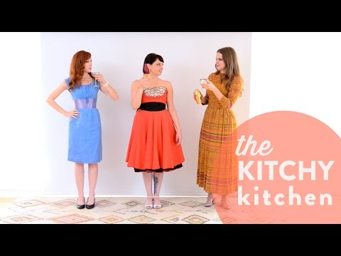 Battle of the Vintage Dresses with Alie and Georgia!  Up Close with Claire