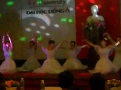múa gặp mẹ trong mơ- 11 Cao đẵng Điều Dưỡng 1A.Đại Học Đông Á - Đà Nẵng