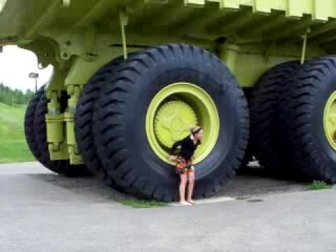 Thumbnail: biggest truck in the world