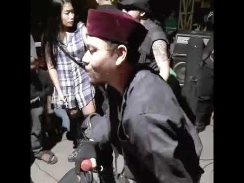 Romi & The Jahats - slonong boy live di inpress crew