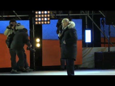 Vlqdimir Poutine sur scène après sa victoire