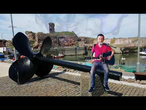 Never alone (in the sun) ☀️❤️🎶😁 Dunbar Harbour, Scotland