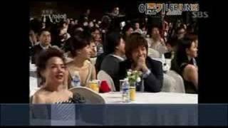 準基大鐘賞獻花內幕 -好笑^^
