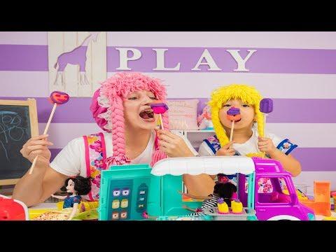 Cupcakes en Forma de Paletas con Barbies S2:E215
