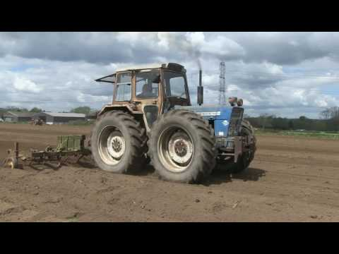 100 YEARS OF FORDSON, FORD AND NEW HOLLAND TRACTORS