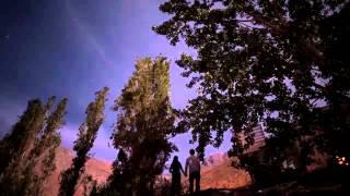 видео Астрономический отель Elqui Domos в Чили