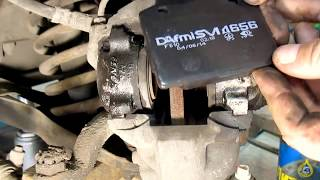 видео Замена передних тормозных колодок на ВАЗ 2101-ВАЗ 2107