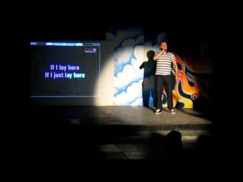 "Mitsis Roda Beach - Chris White singing ""Chasing Cars"" Karaoke - Corfu 2013 (Snow Patrol)"