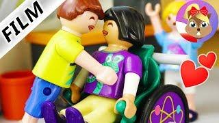 Playmobil Film polski |  1. POCAŁUNEK BEATKI ze starszym chłopakiem  - będą ze sobą chodzić?