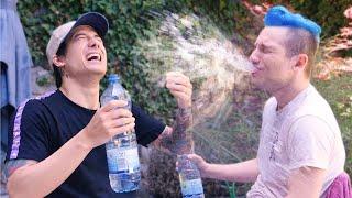 Flachwitz-Anspuck Challenge mit Julien Bam 🤣 💦