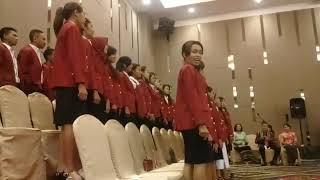 Koor Wisuda STIE Oemathonis Kupang 2018 Lagu Victoria