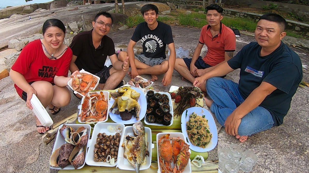 Khám phá đảo Hòn Sơn   Tập 6 – Ăn Gà Dừa Ghẹ Hấp Cá nướng Ốc hương Nhum trên bè chuối bên bờ Biển