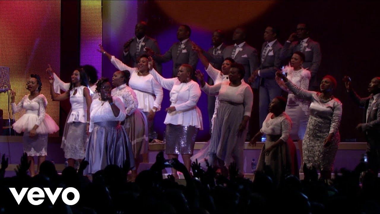 Joyous Celebration - Bawo Ndixolele (Live)