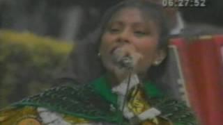 Popurri de huaynos - Karina Fernandez