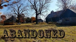 Abandoned Farm with Muscle Cars Exploring Gone Wrong