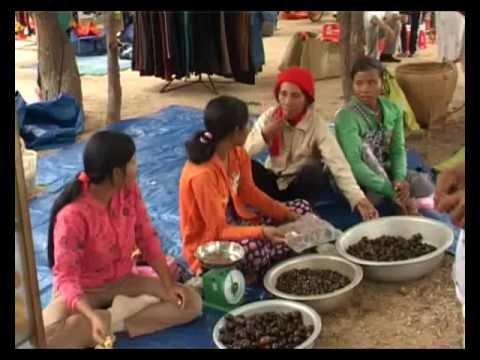 Chợ phiên của phụ nữ Raglai