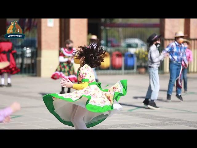 Bailes de Fiestas Patrias Educación Básica -3º Básicos Colegio Pumahue Chicureo