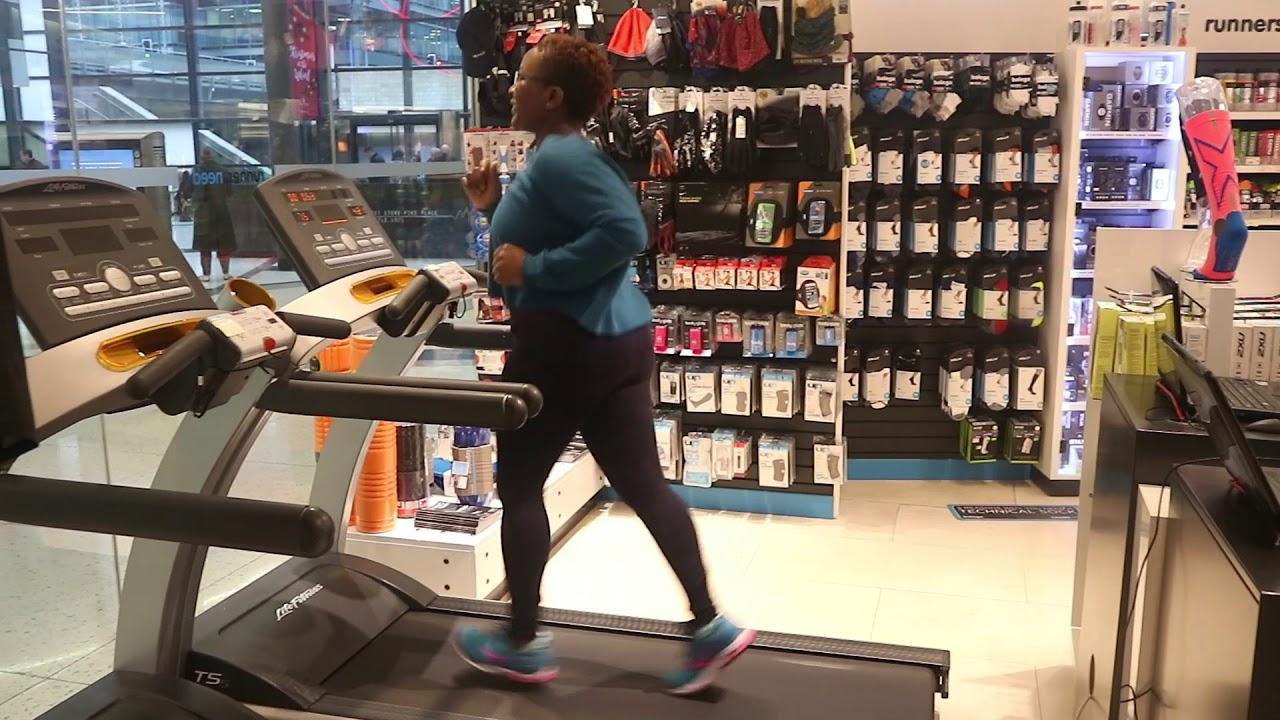 Gait Analysis  Runners Need  shoe try