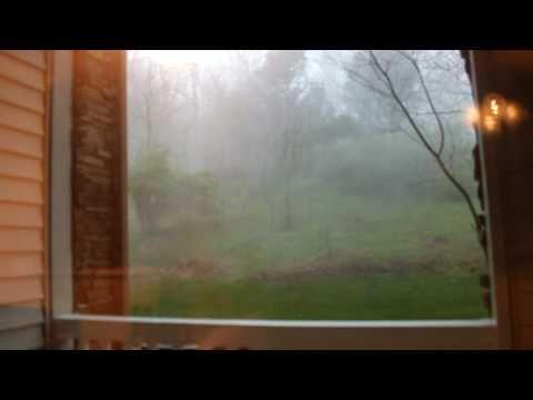 Tornado in Hendersonville ( Nashville ) TN  (strong winds)