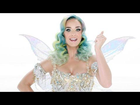 Katy Perry se convierte en un hada para el anuncio navideño de H&M