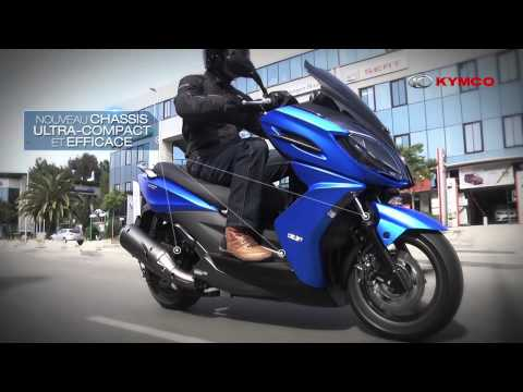 Yamaha Smax 155cc VS Kymco Racing 180cc and CPI 250cc | FunnyDog.TV