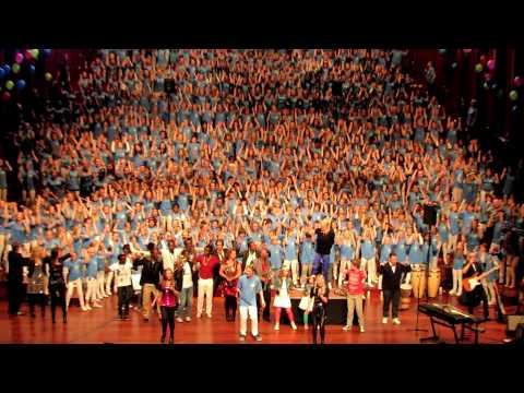 Let the Love Flow (finale): Oslo Soul Children Festival Choir 2012