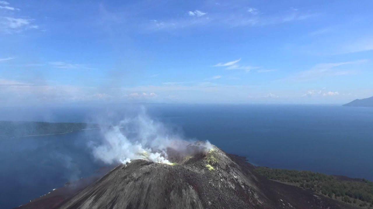 V Is For Volcano Anak Krakatoa z drona ...