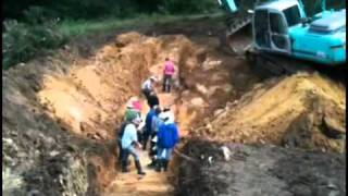 Small Dam Pond Installation By Geoff Lawton On October 2011 Earthworks Course Youtube