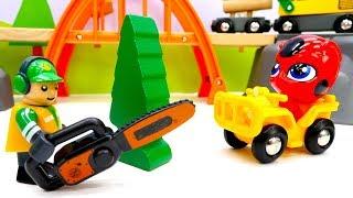 Видео для детей: Остров поездов #БРИО! Паровозики, железная дорога и лесопилка #BRIO. Диди ТВ