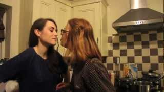 One of Rose Ellen Dix's most viewed videos: SUPERKISS!