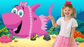 Baby Shark Dance Spanish Version and More Nursery Rhymes by LETSGOMARTIN