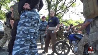 Тєбя ета єб…т? - придані сили поліції розмовляють із мешканцями бурштинової Рівненщини