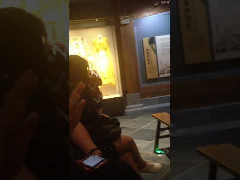 Китаец поёт Chinese singer