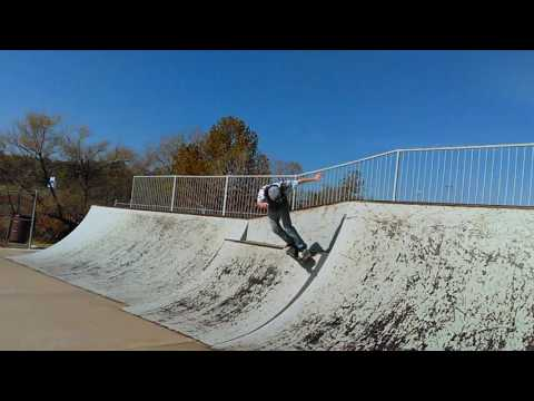 Boardslide hand rail (First time on this rail)
