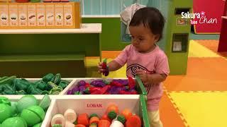 Bayi Lucu Sakura Chan Bermain Belanja Sayur dan Buah Di Playground   Pretend Play