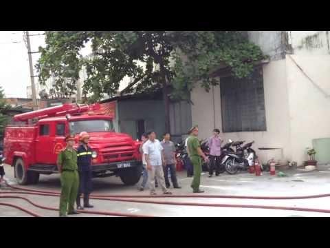 Tập luyện phòng cháy chữa cháy - Công ty TNHH Giày GIA ĐỊNH