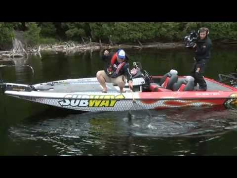 Catch More Bass By Watching Your High Vis Line - Facts Of Fishing THE SHOW