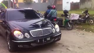 Habib bahar dengan patwal dan mobil mewahnya